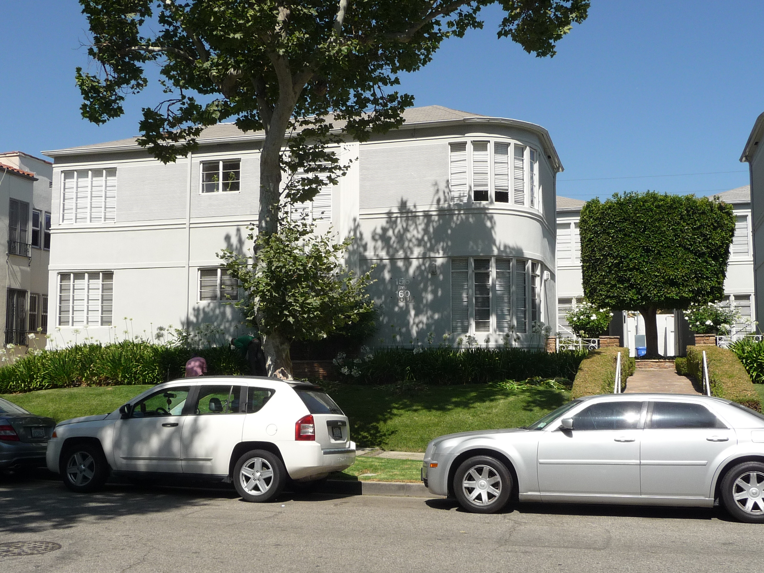 160 N SYCAMORE AVE - PHOTO