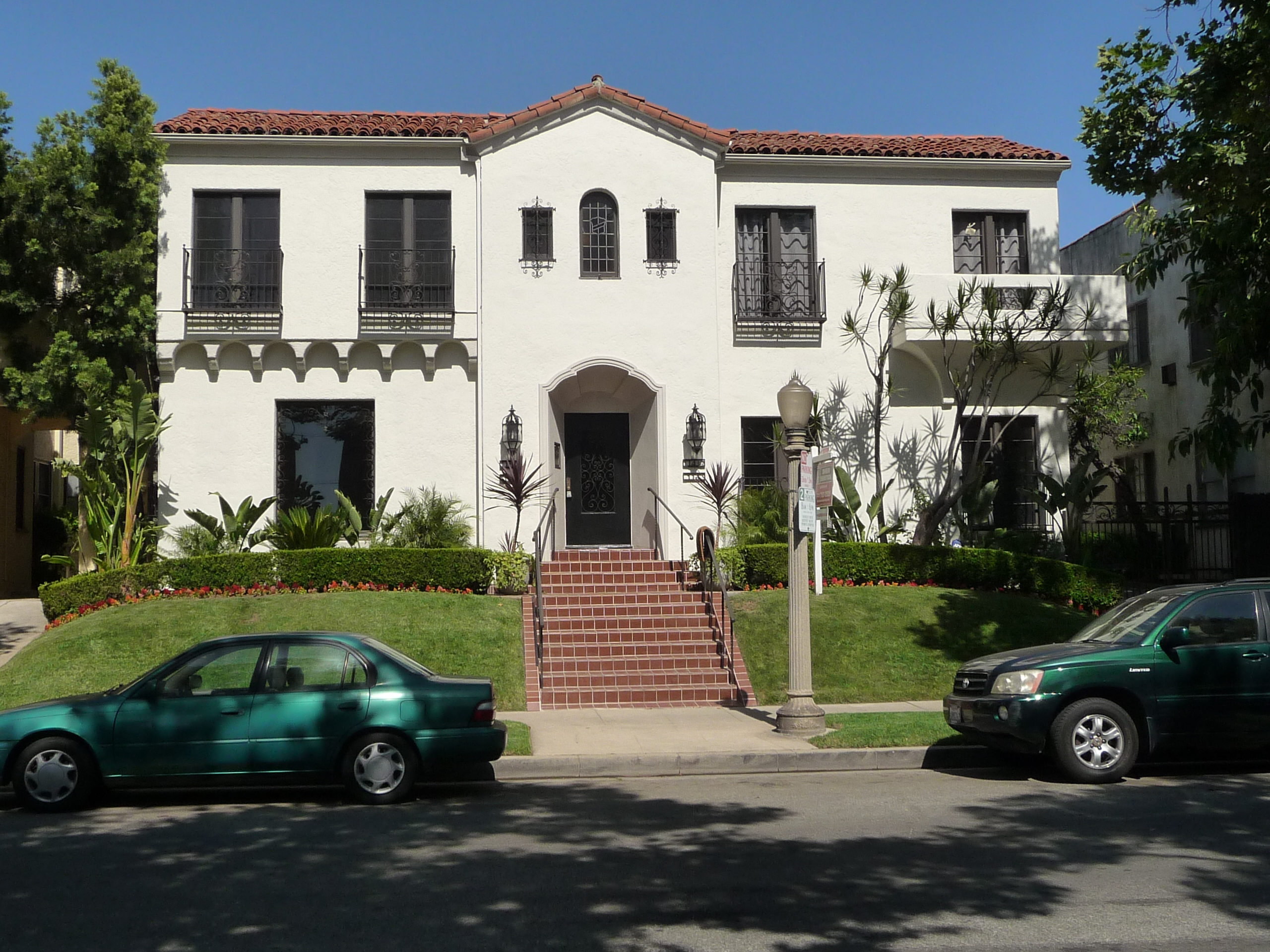 116 N SYCAMORE AVE - PHOTO