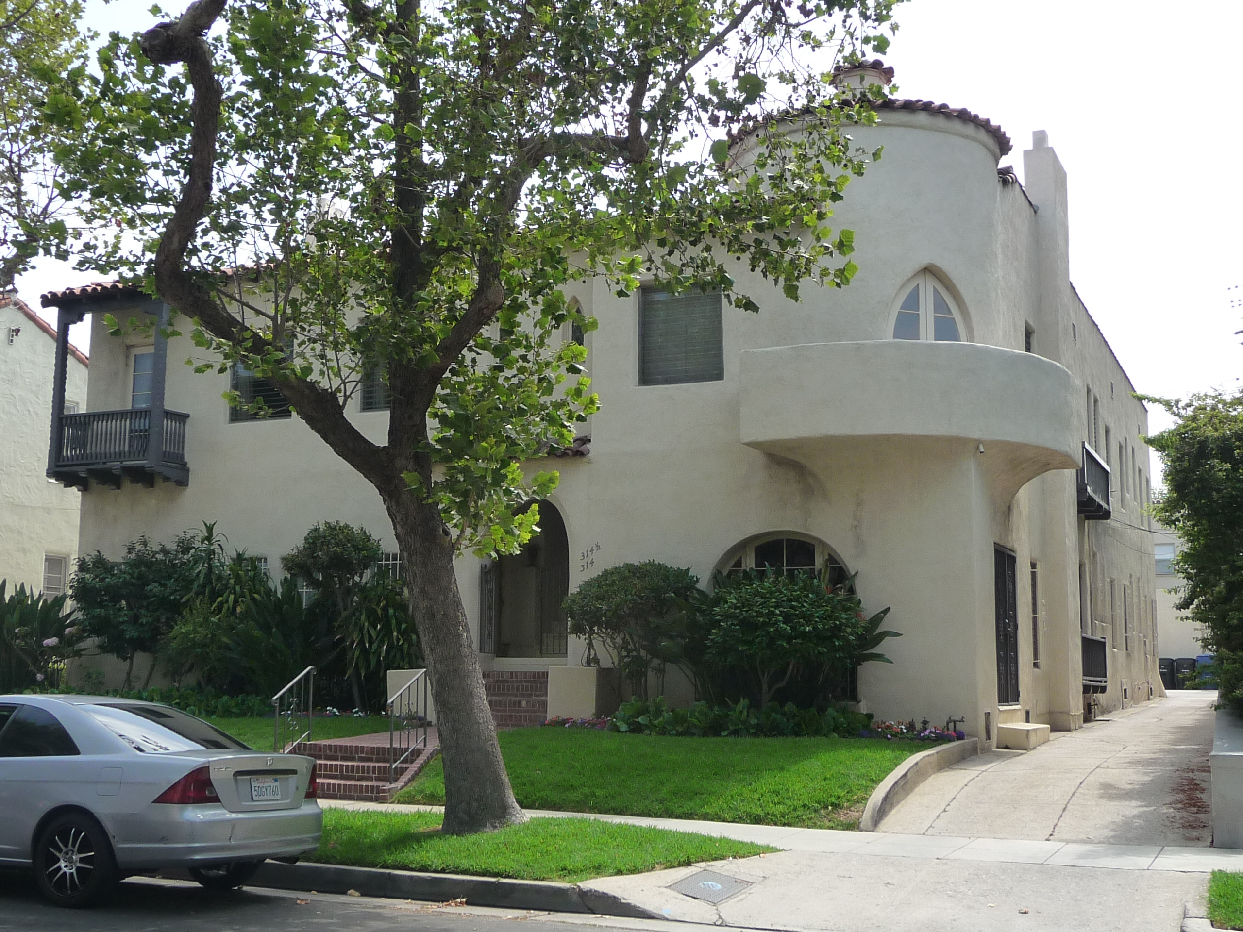 318 N SYCAMORE AVE - PHOTO