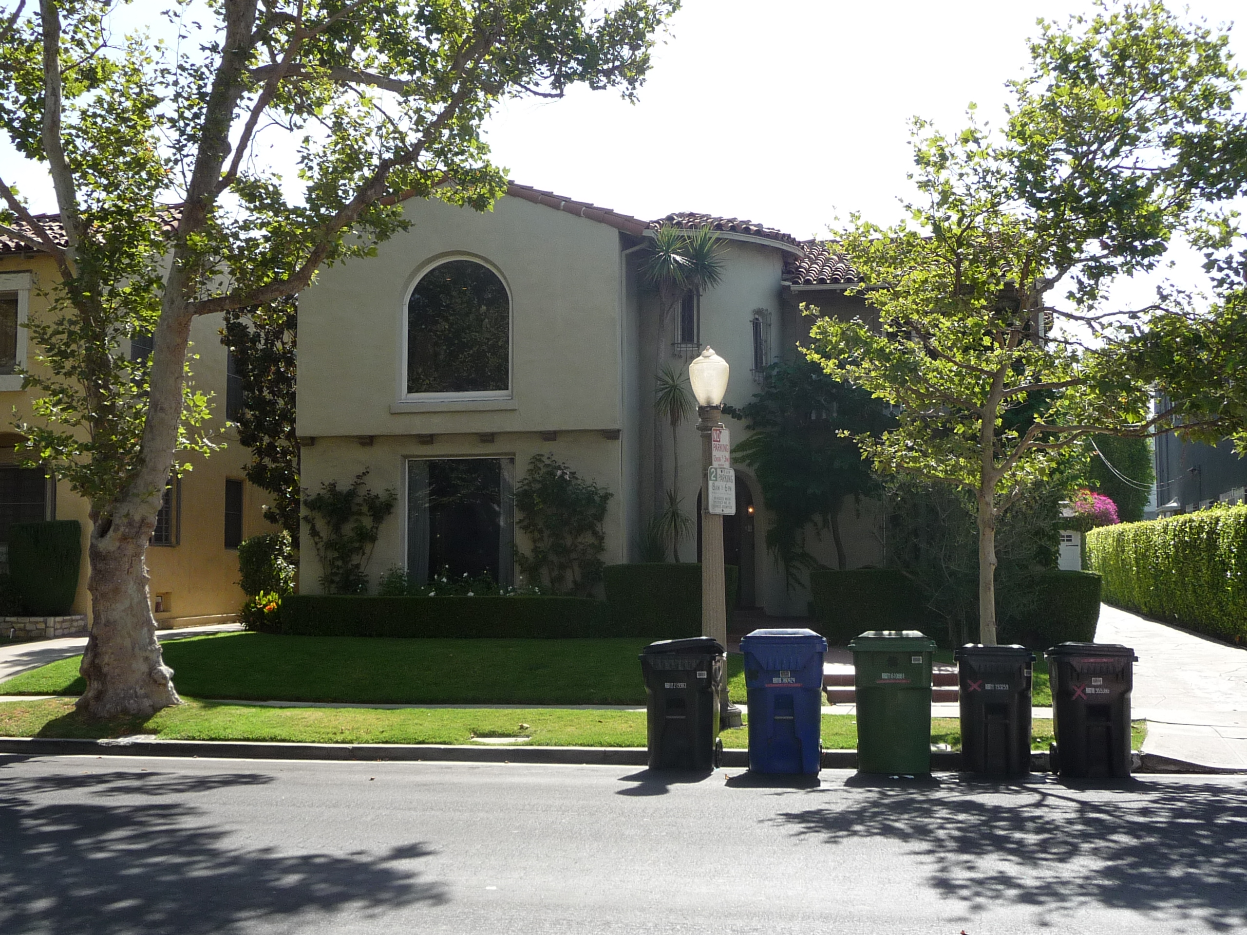 256 S MANSFIELD AVE - PHOTO