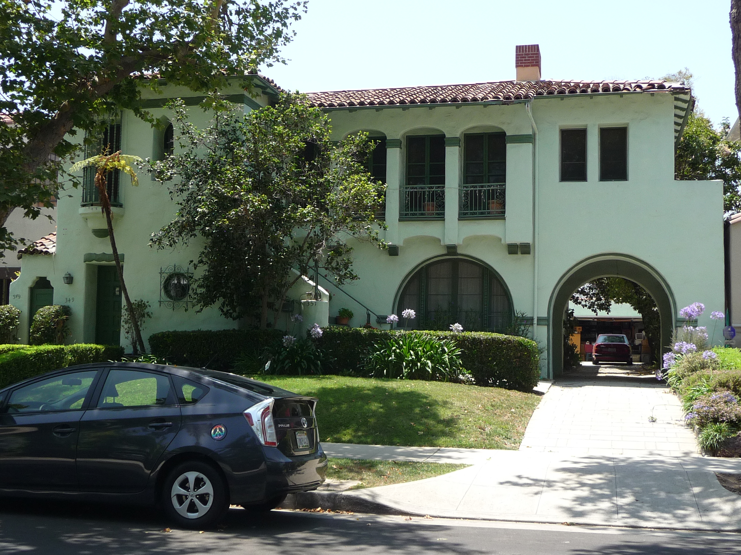 351 N MANSFIELD AVE - PHOTO