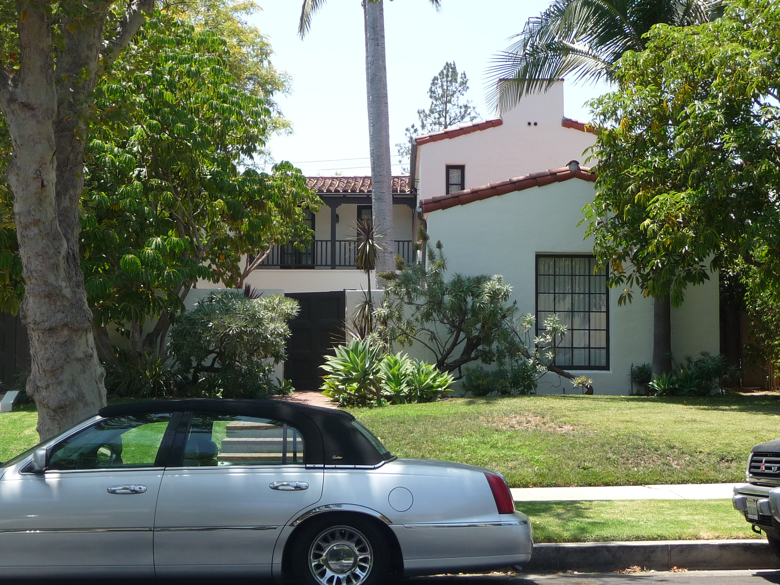 457 N MANSFIELD AVE - PHOTO