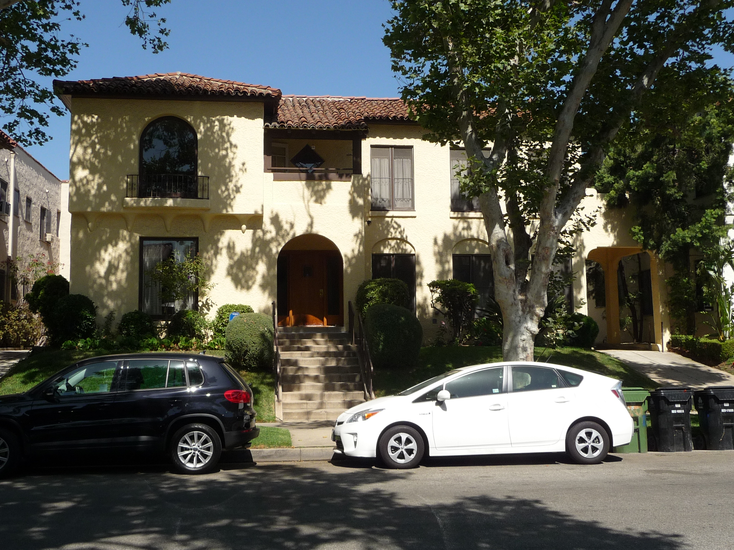124 N SYCAMORE AVE - PHOTO