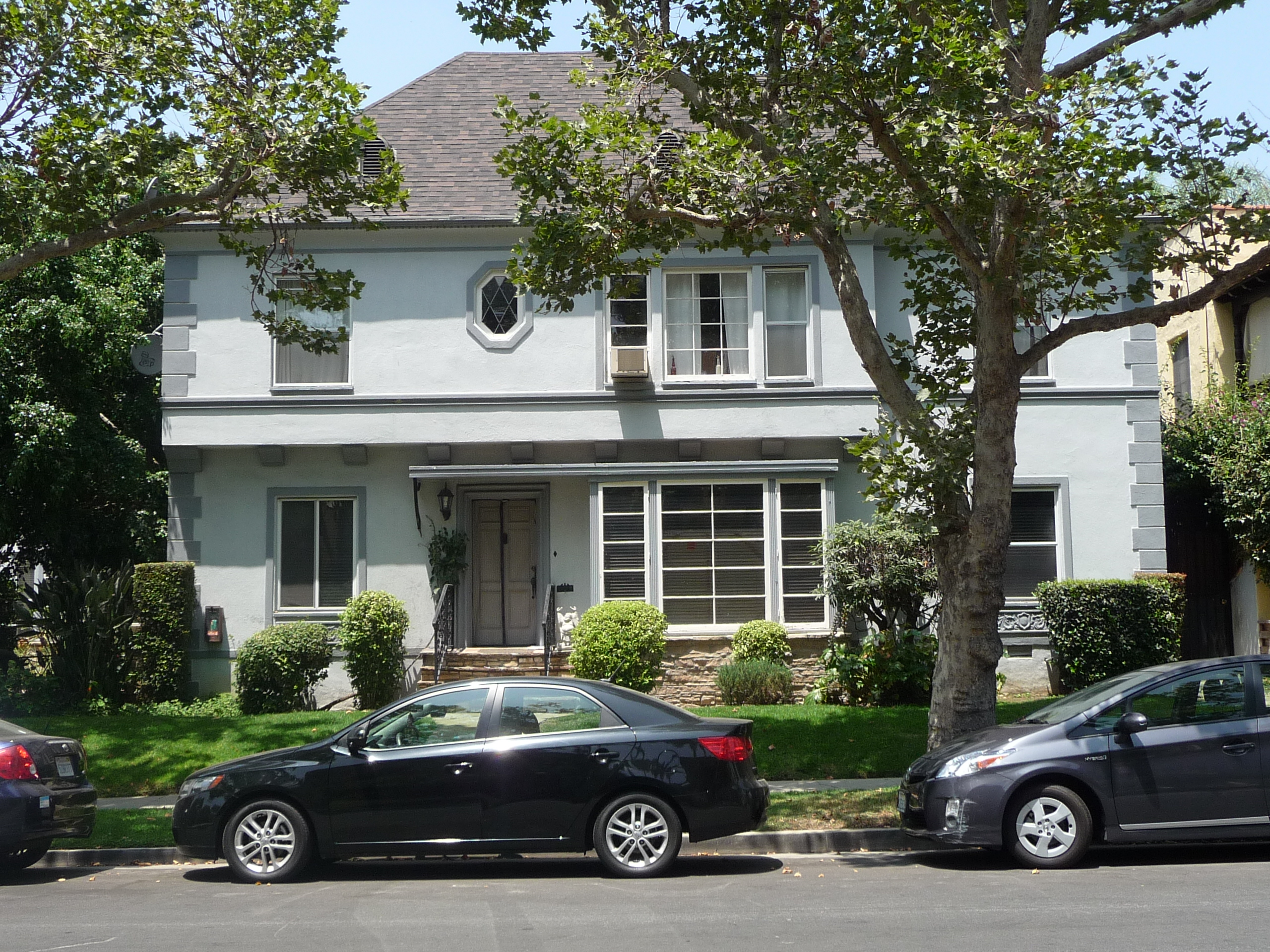 361 N SYCAMORE AVE - PHOTO