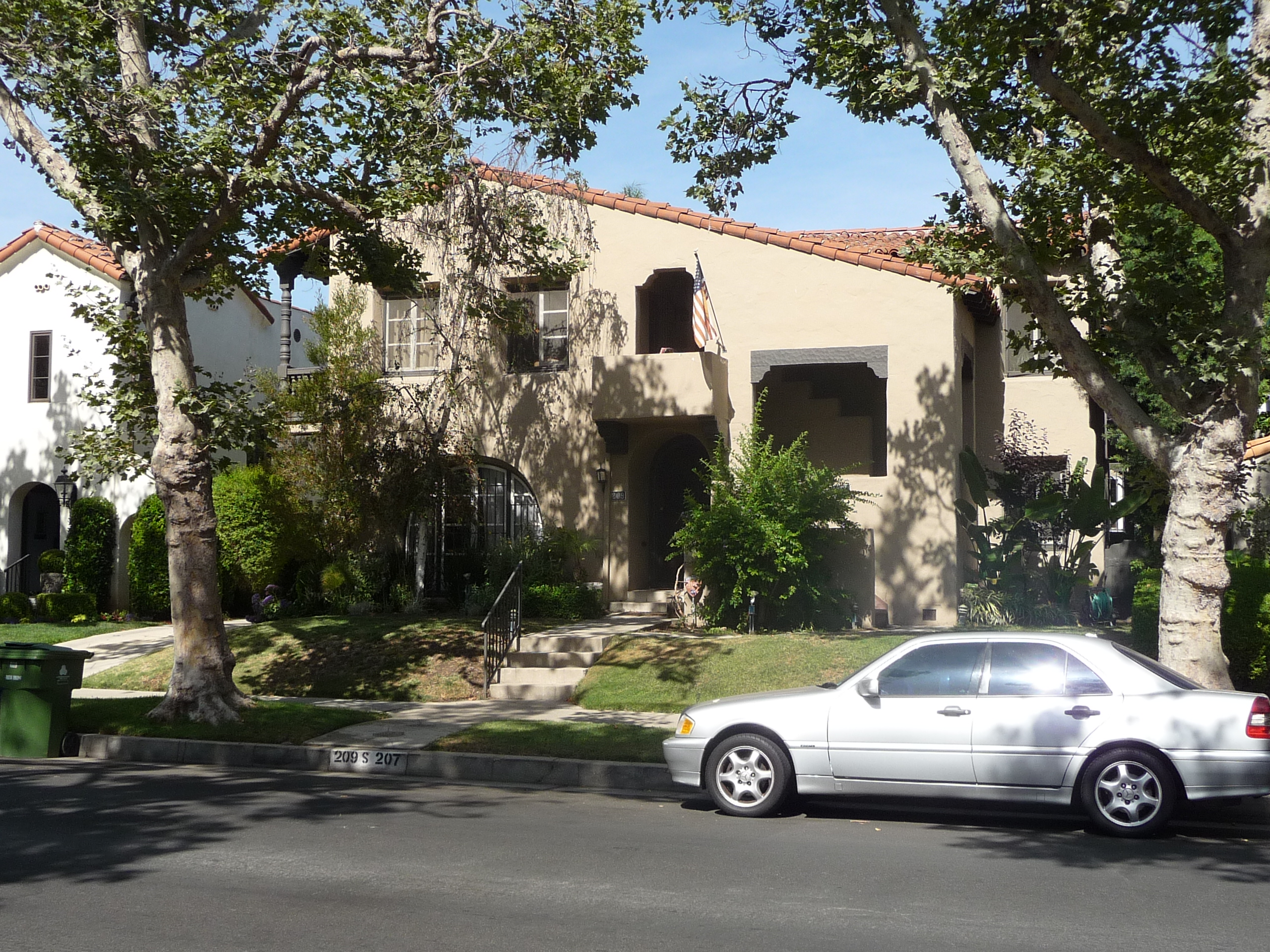 207 S MANSFIELD AVE - PHOTO