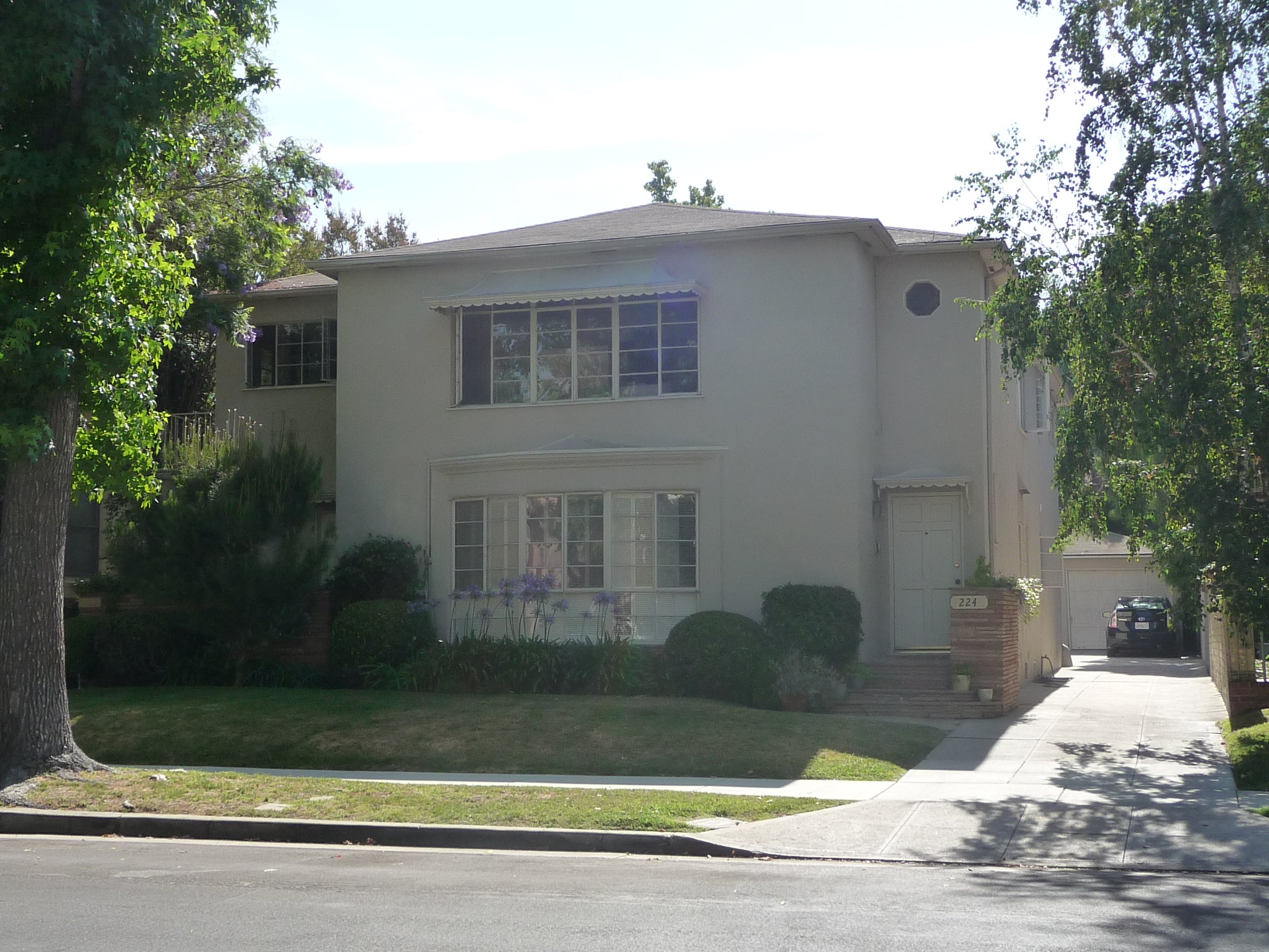 222 S MANSFIELD AVE - PHOTO