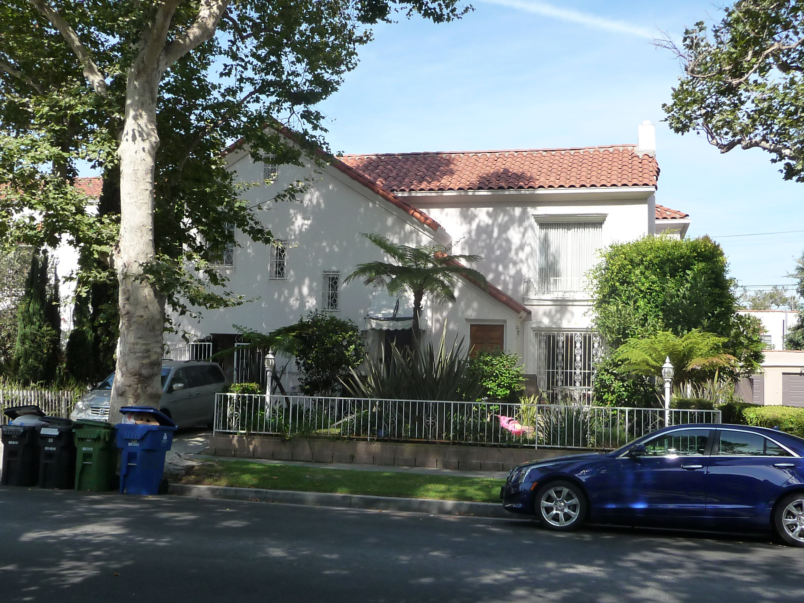 251 S MANSFIELD AVE - PHOTO