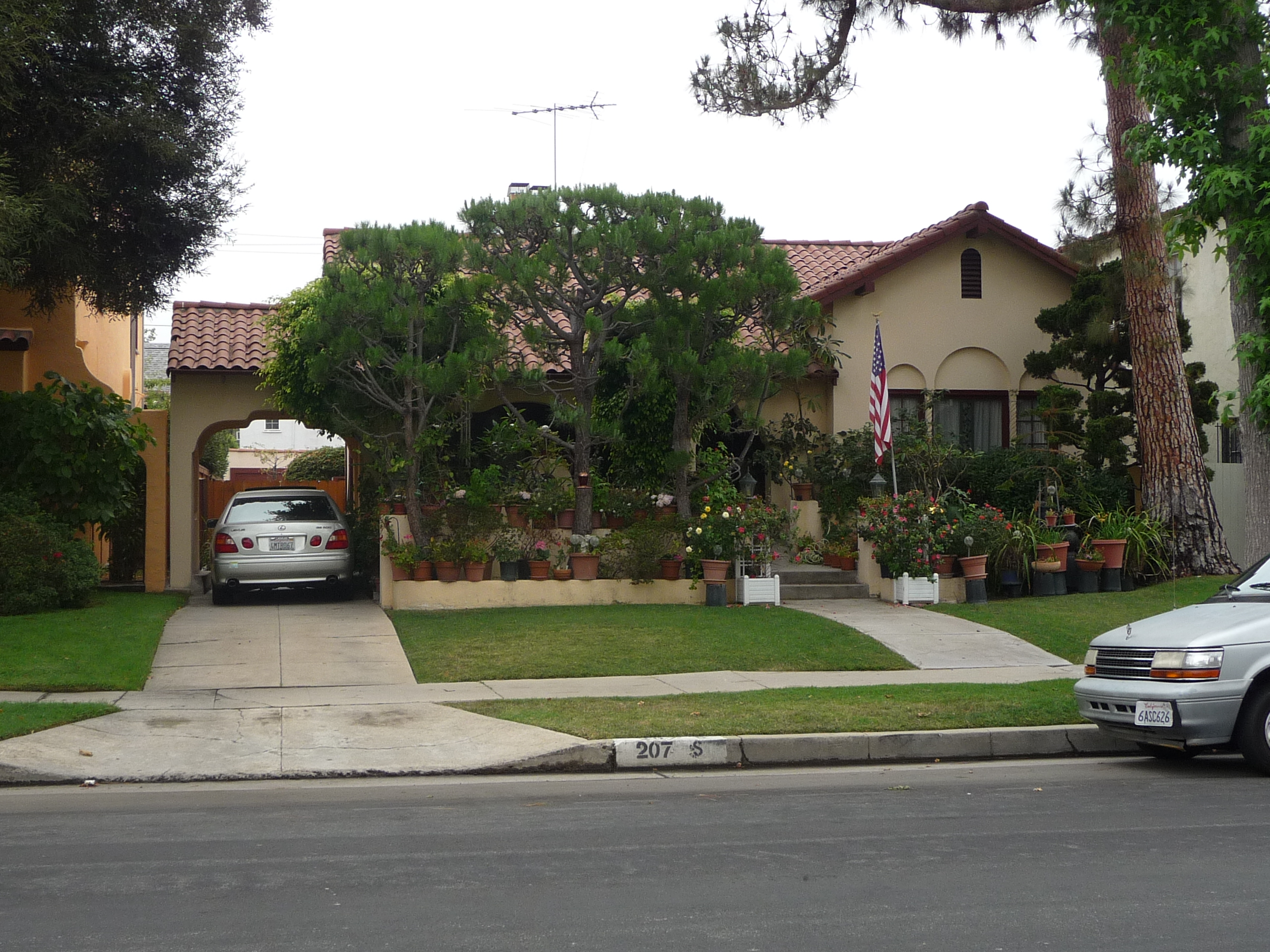 207 S CITRUS AVE - PHOTO