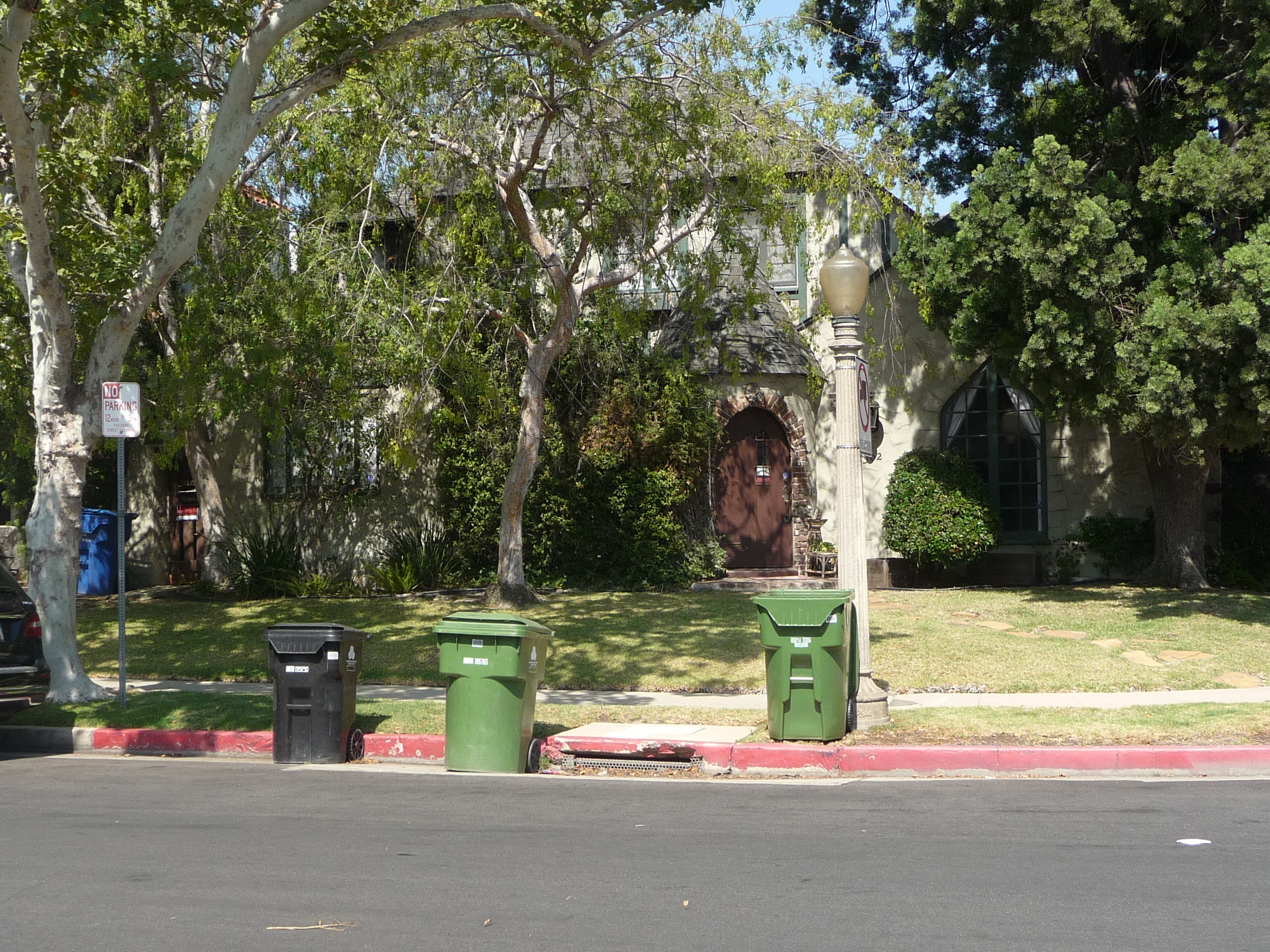 302 N MANSFIELD AVE - PHOTO