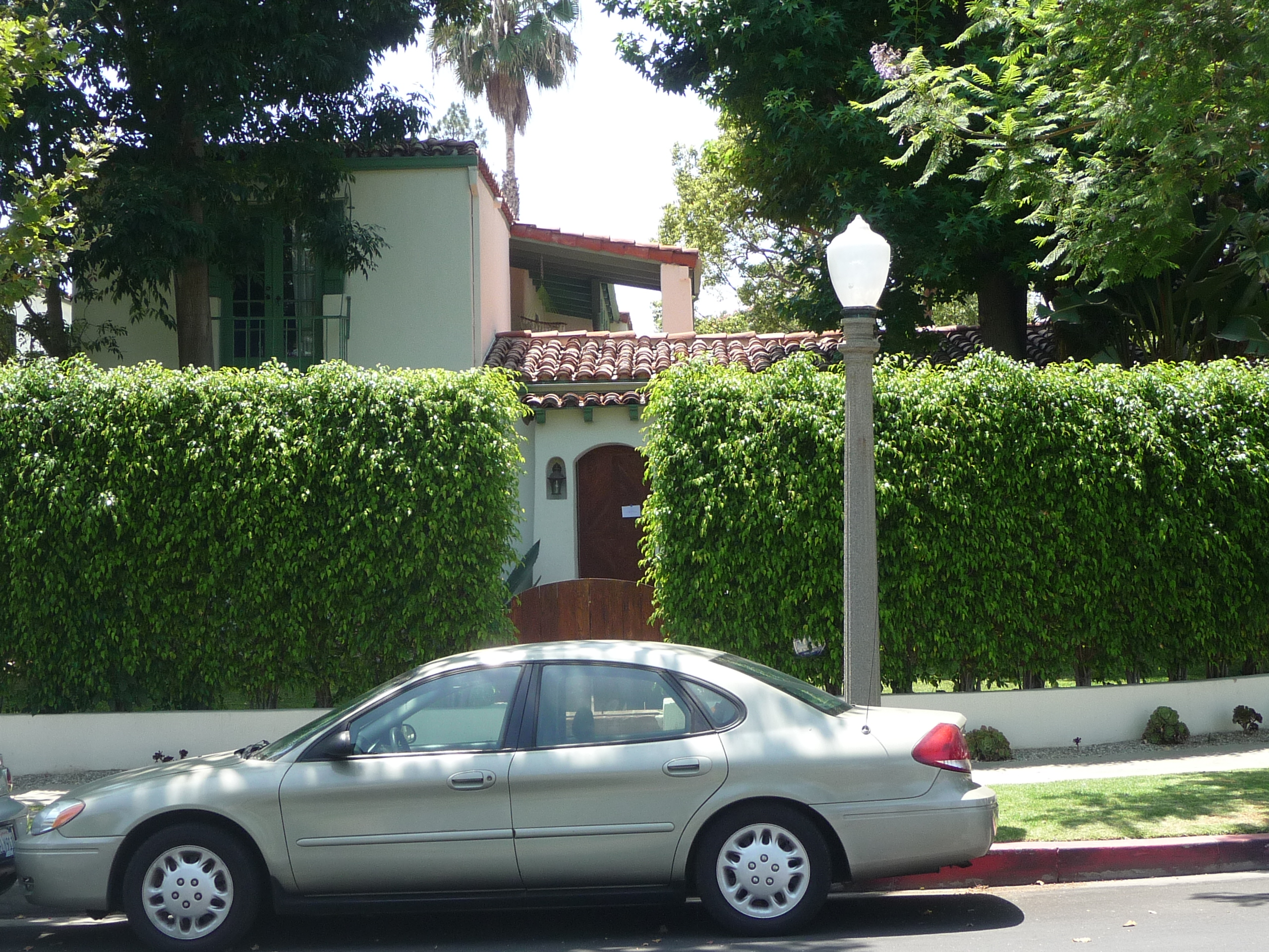 461 N MANSFIELD AVE - PHOTO