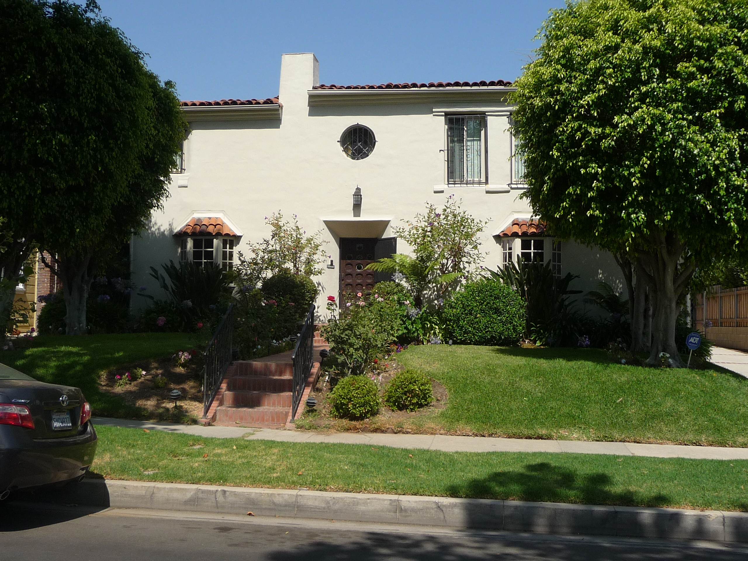 440 N MANSFIELD AVE - PHOTO