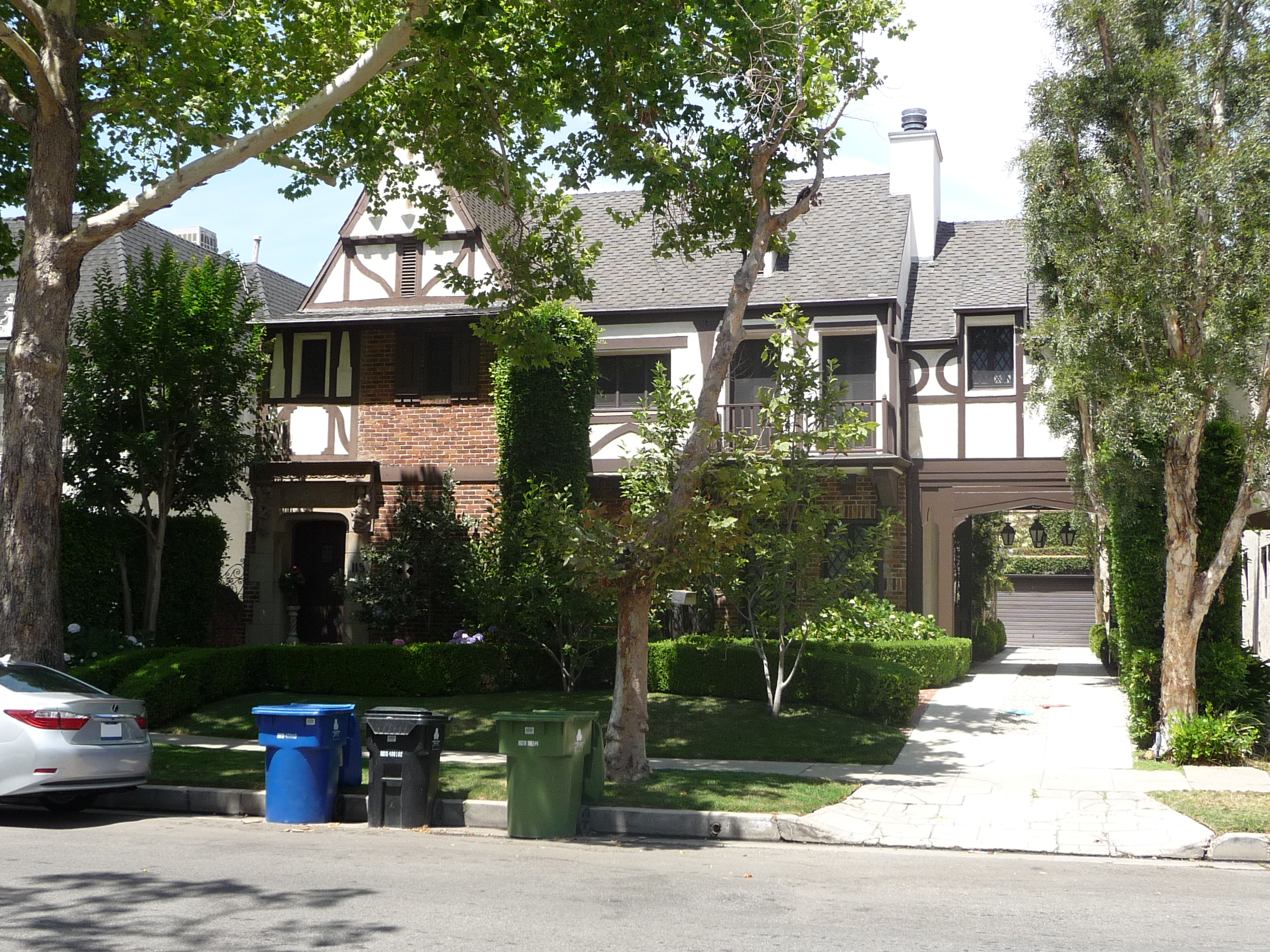 113 S MANSFIELD AVE - PHOTO