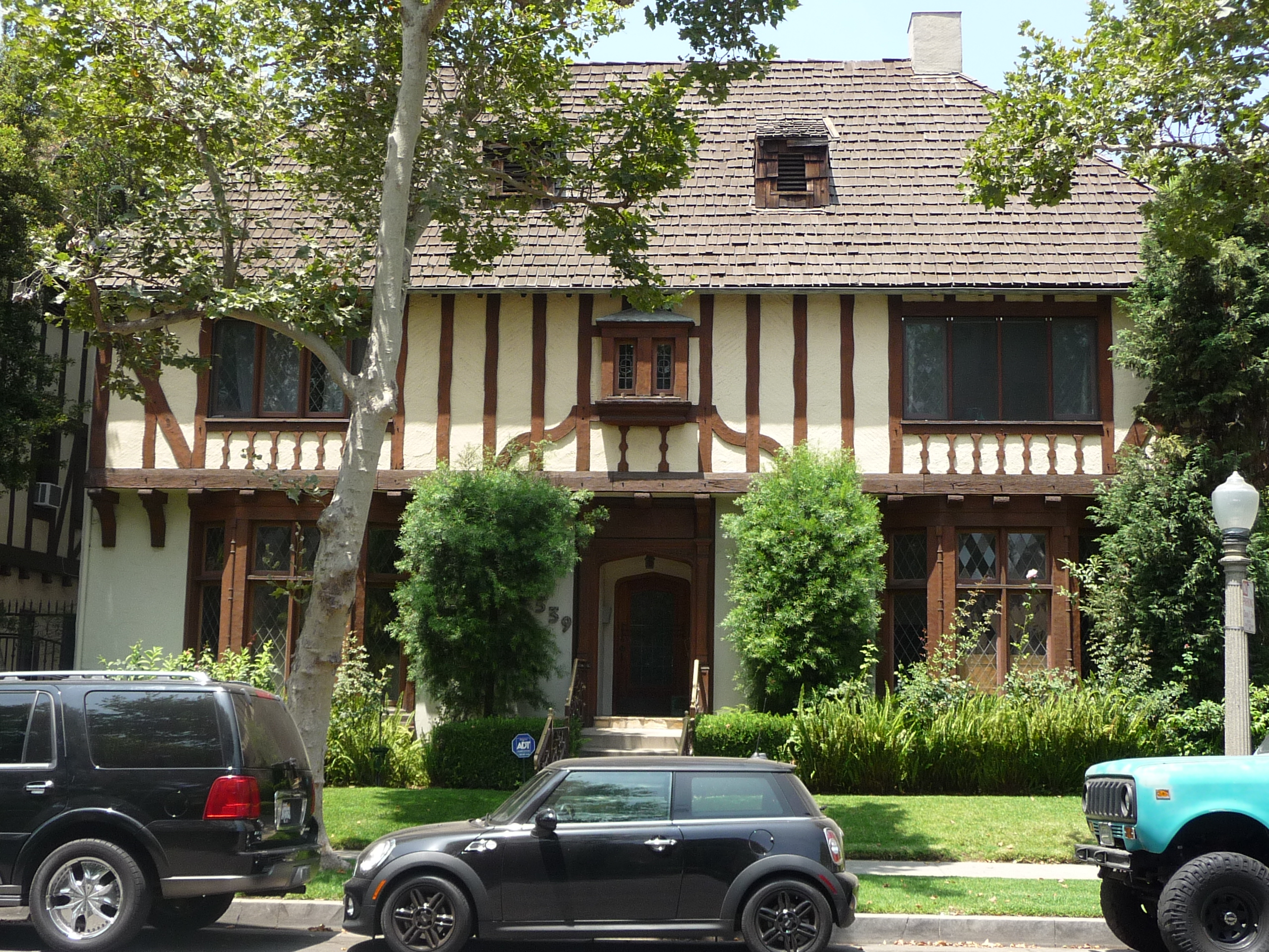 339 N SYCAMORE AVE - PHOTO