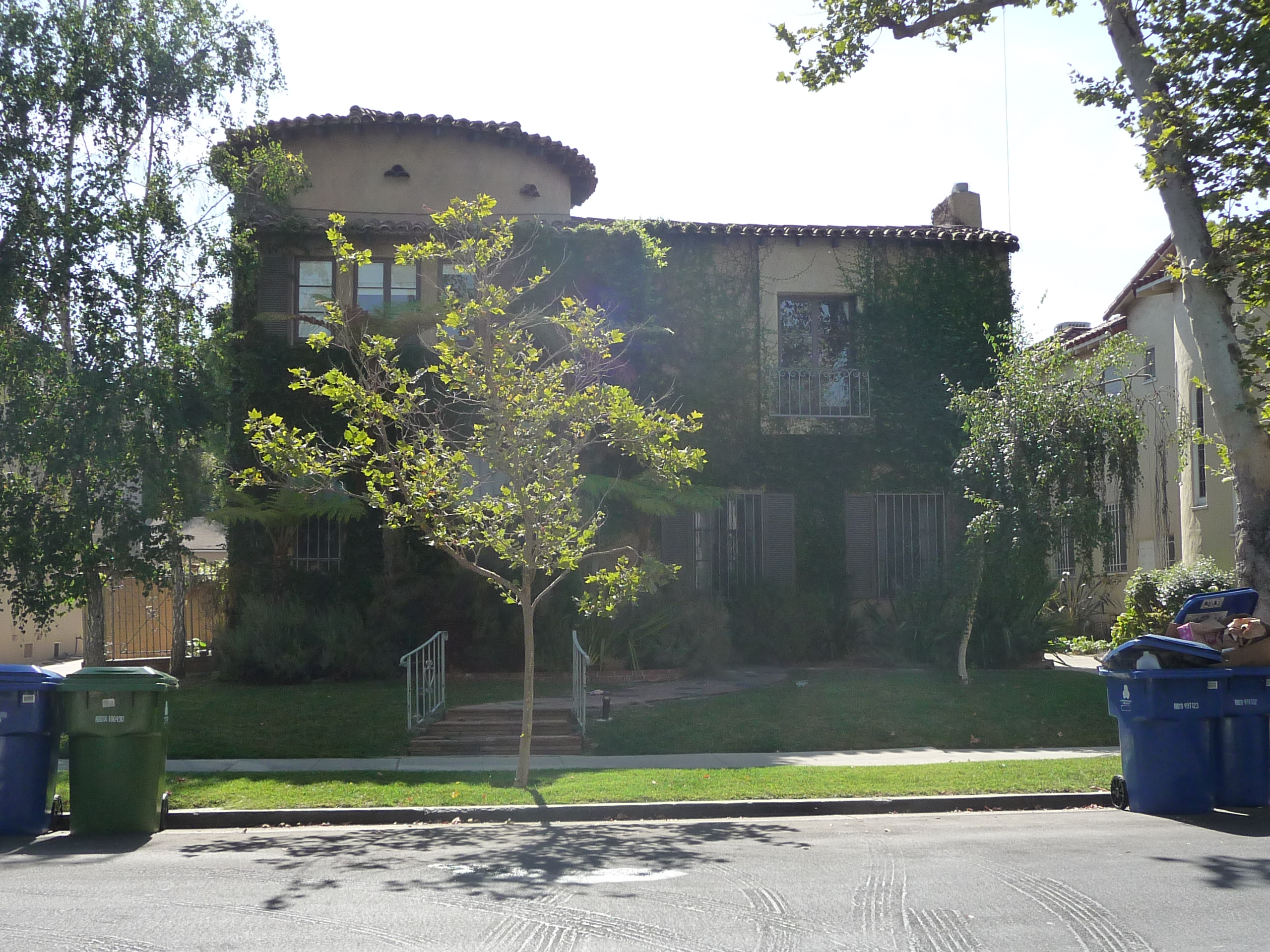 230 S MANSFIELD AVE - PHOTO