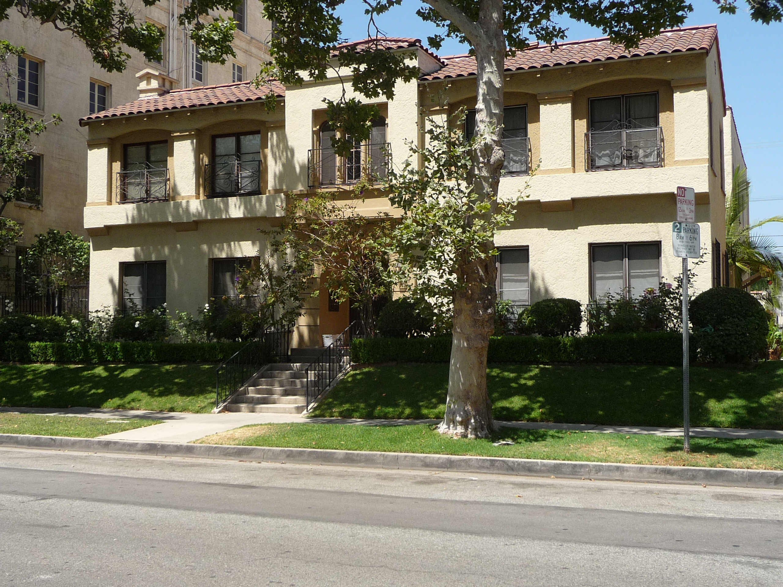 119 N SYCAMORE AVE - PHOTO