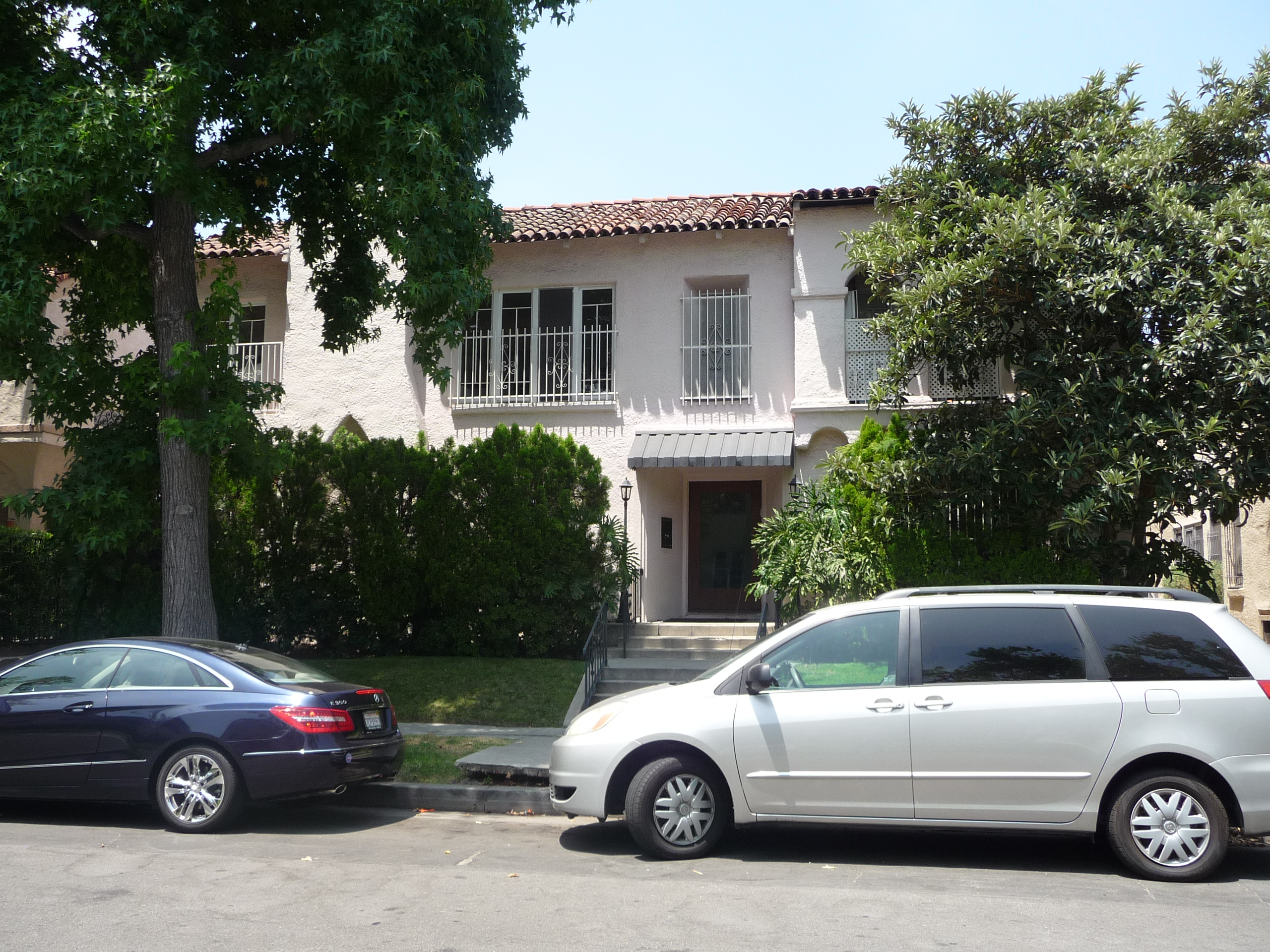 325 N SYCAMORE AVE - PHOTO