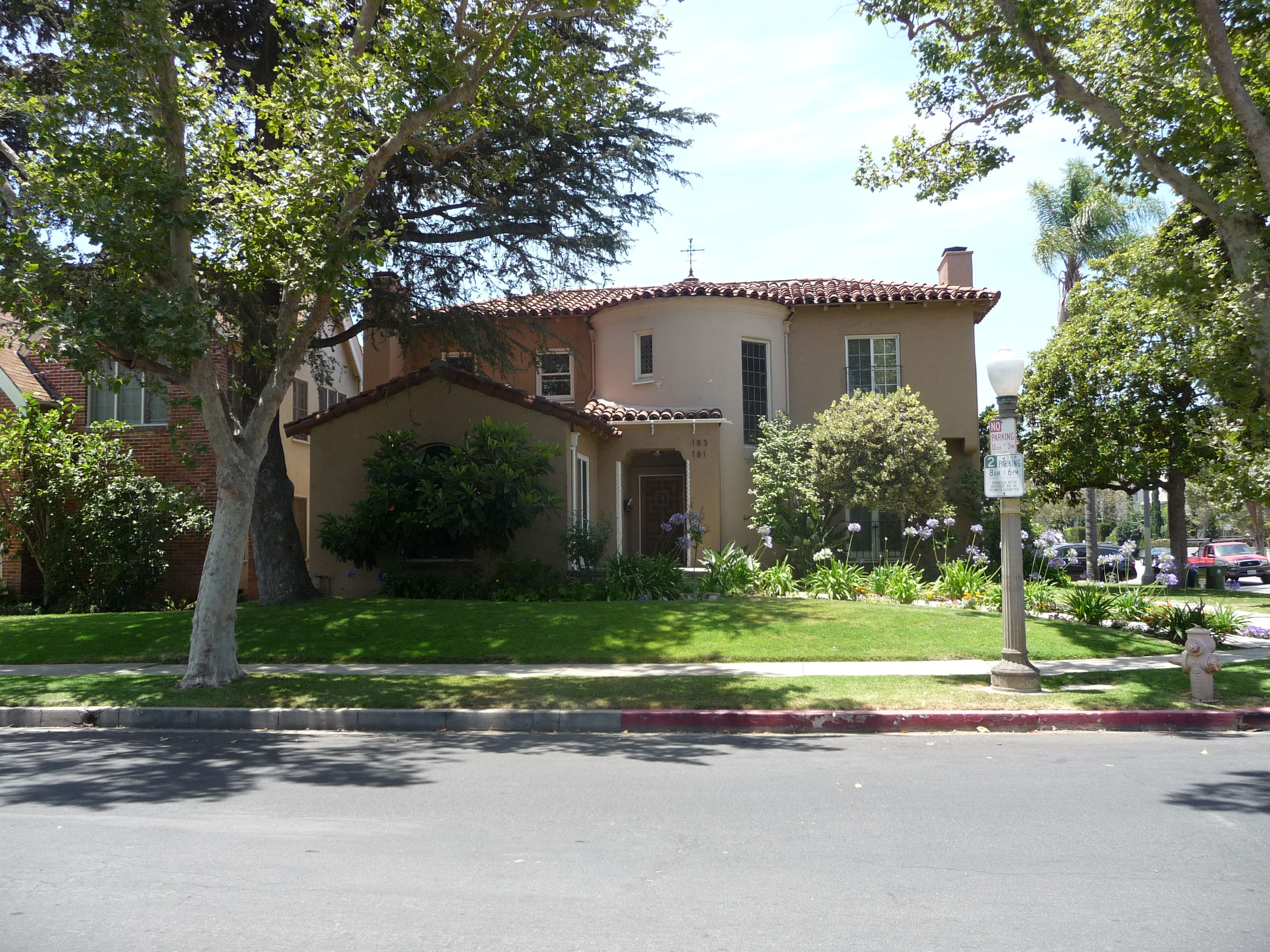 183 N MANSFIELD AVE - PHOTO