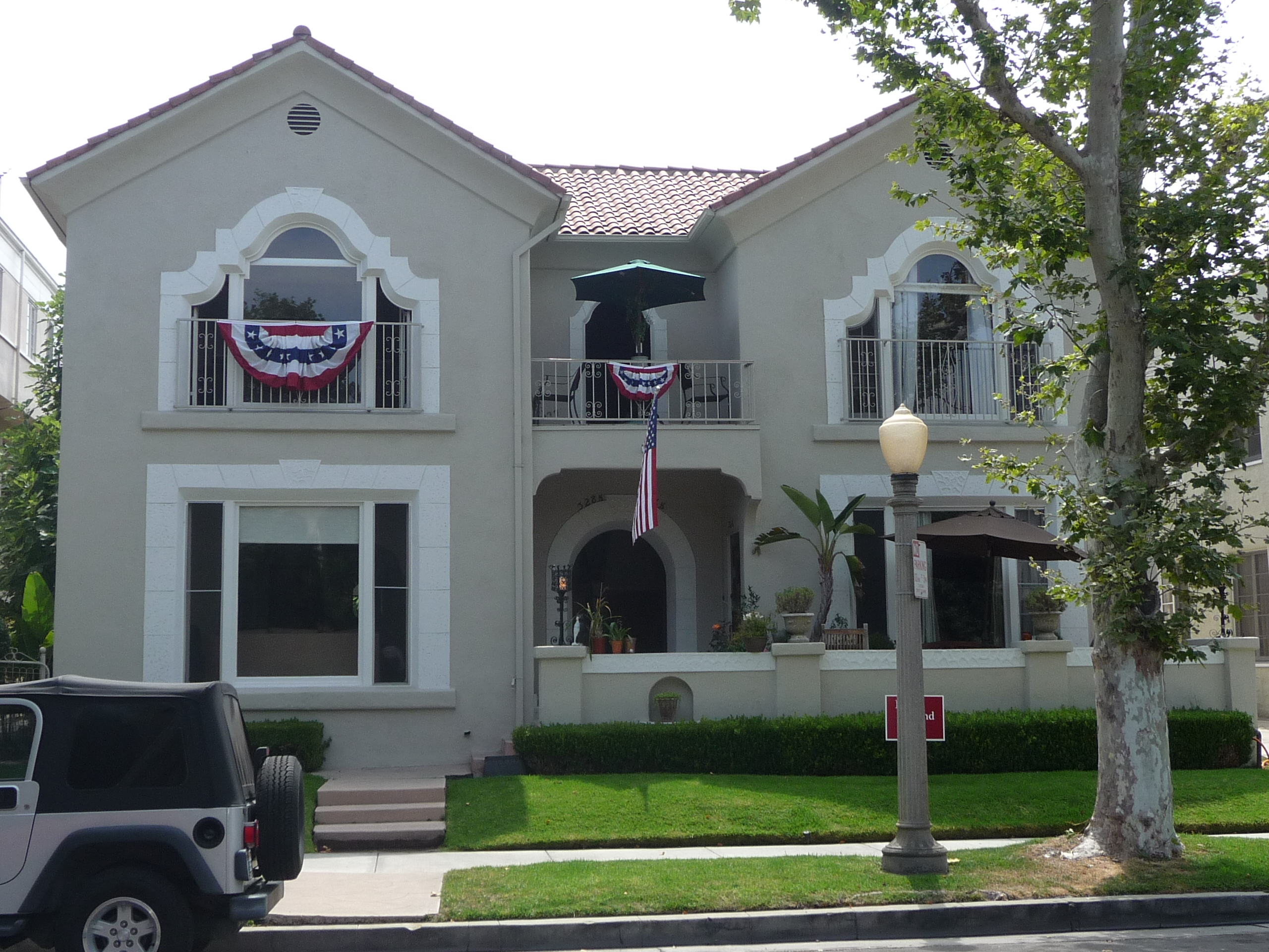 328 N SYCAMORE AVE - PHOTO