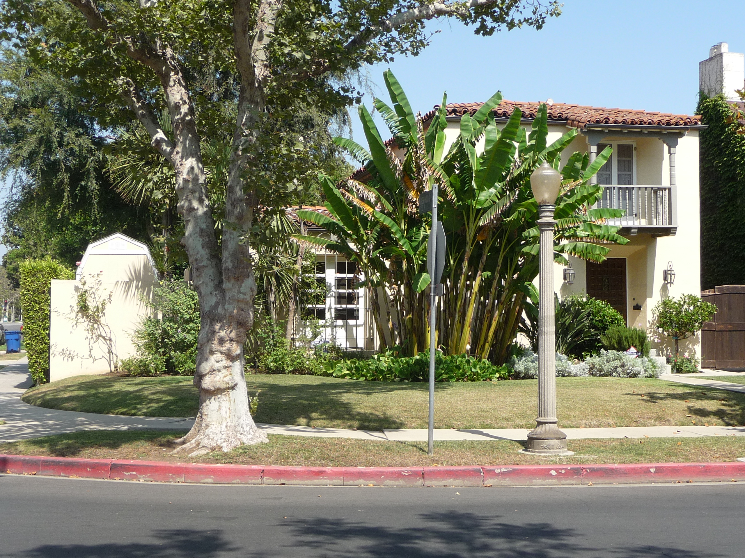 462 N MANSFIELD AVE - PHOTO