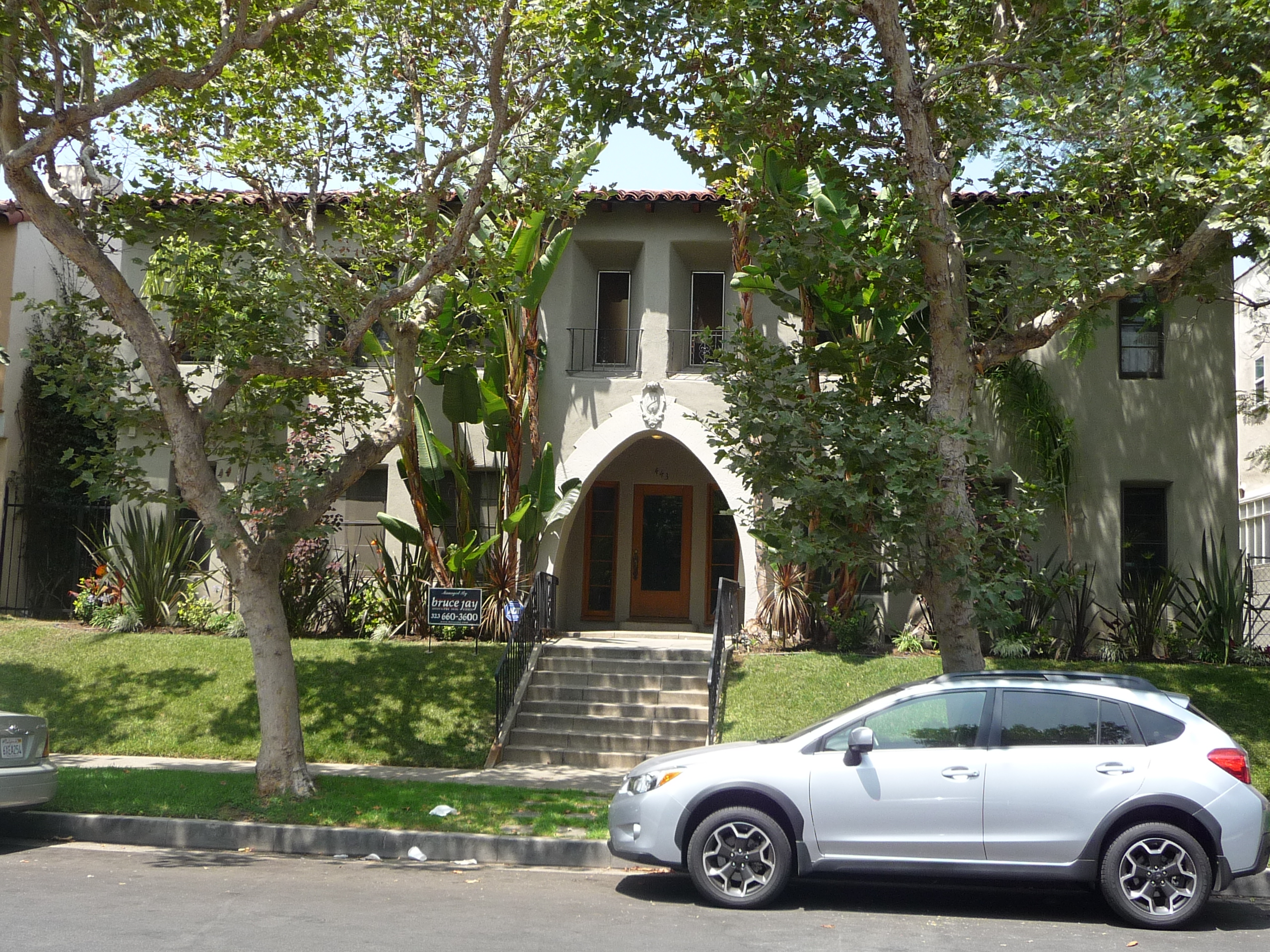 443 N SYCAMORE AVE - PHOTO