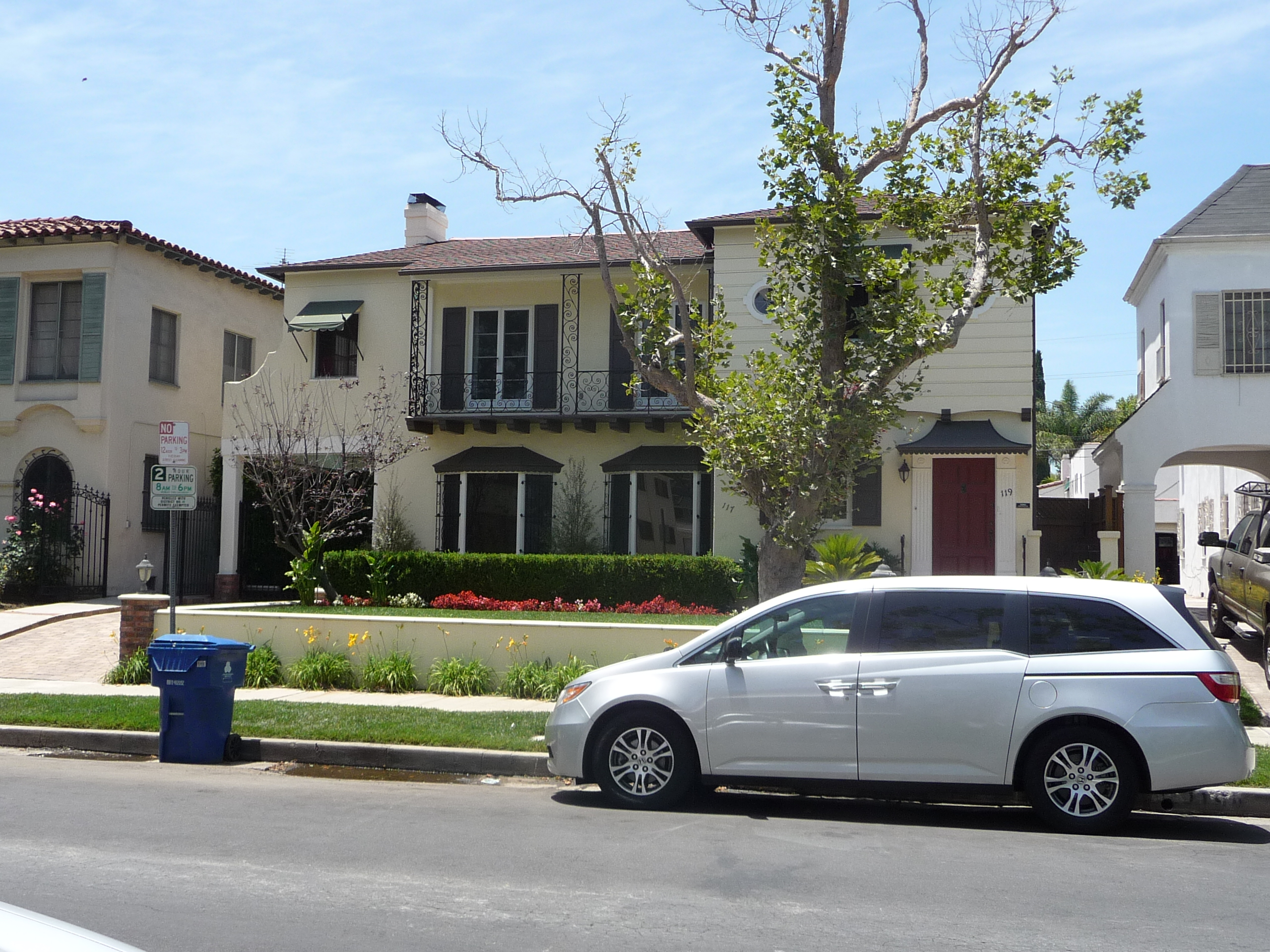 119 N MANSFIELD AVE - PHOTO