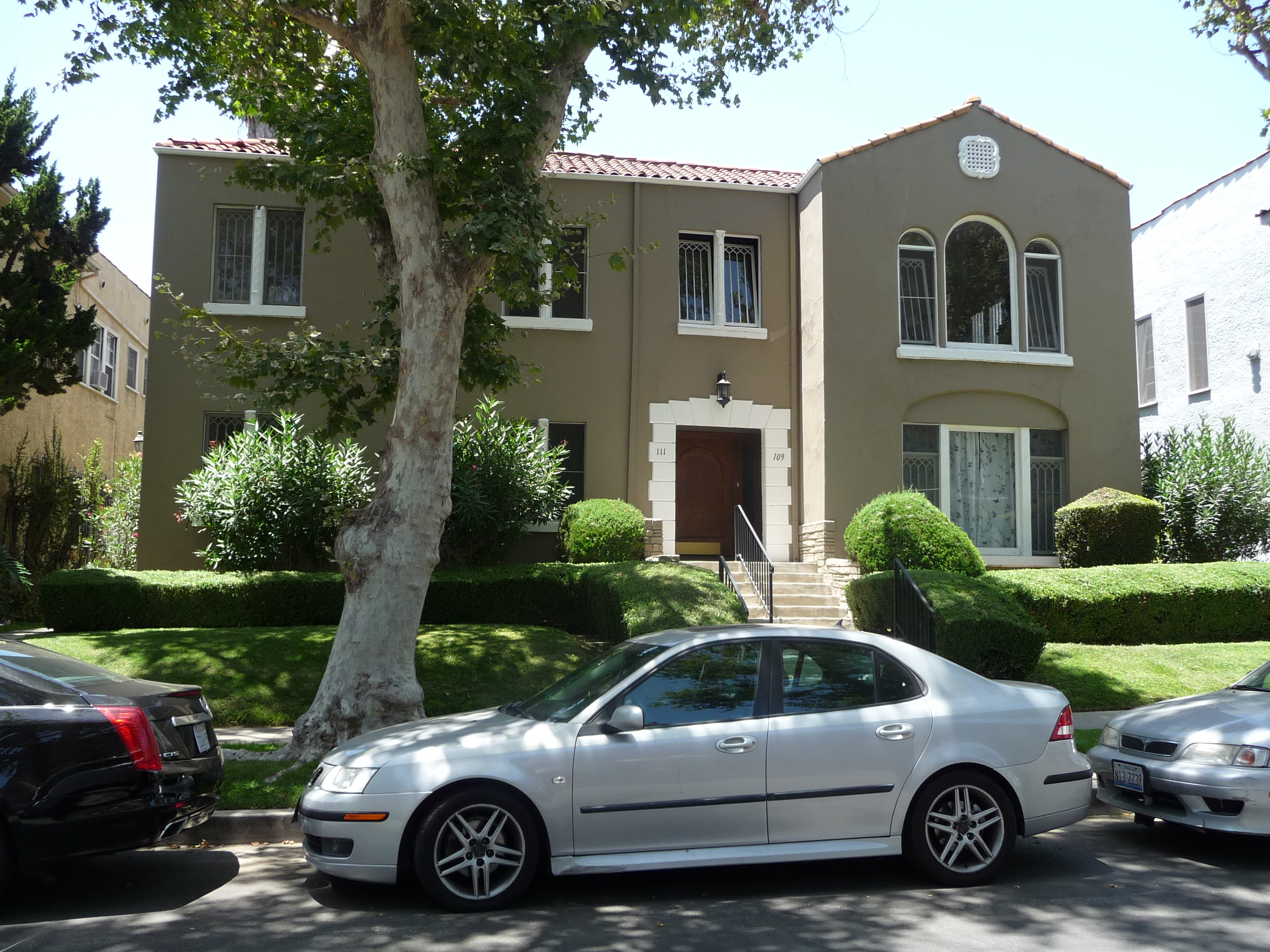 111 S SYCAMORE AVE - PHOTO