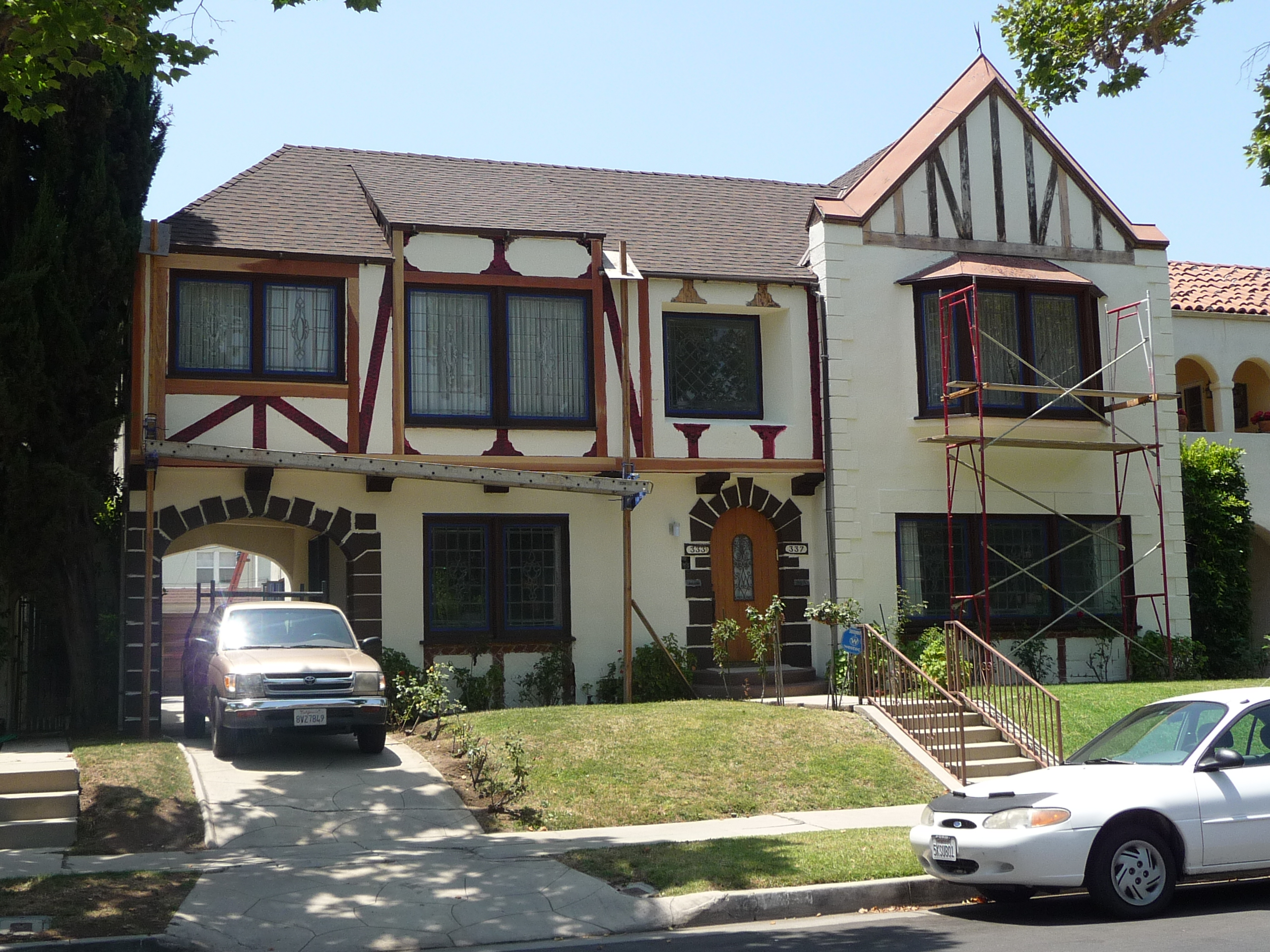 337 N MANSFIELD AVE - PHOTO