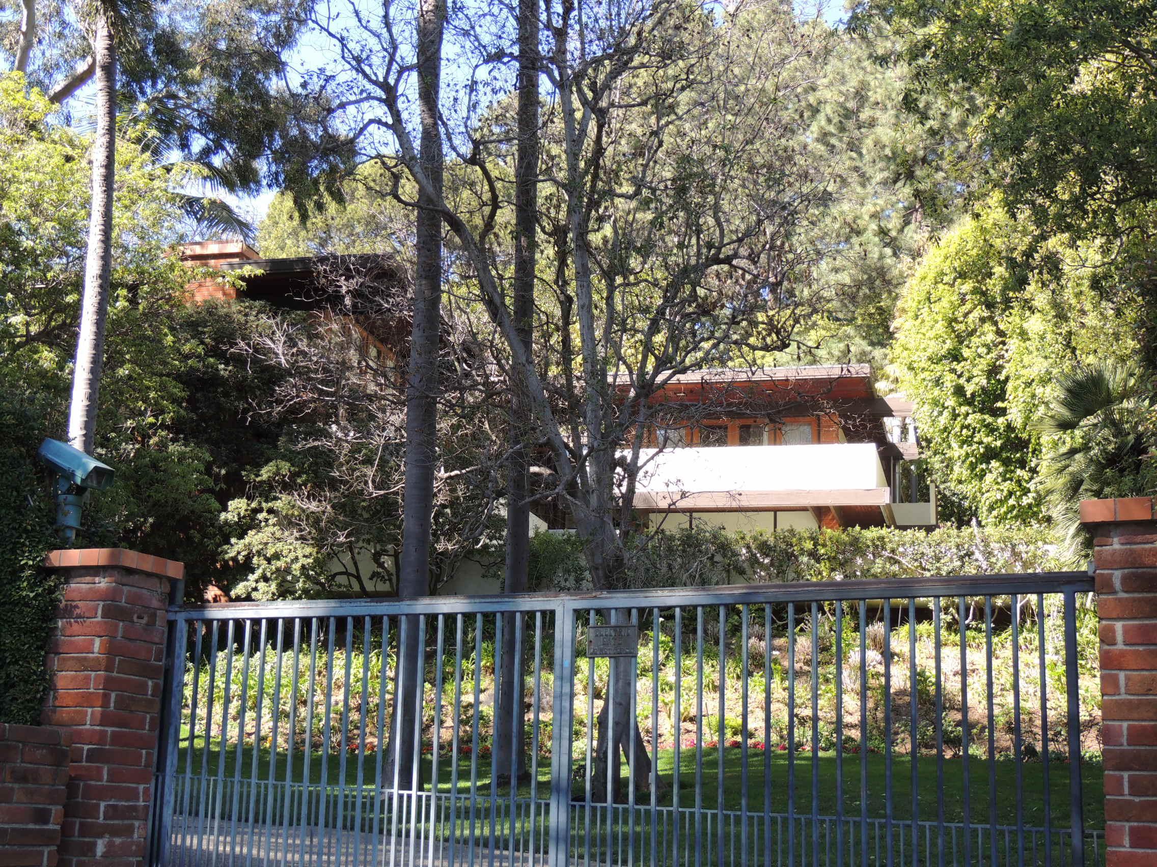 James Garner Residence - PHOTO
