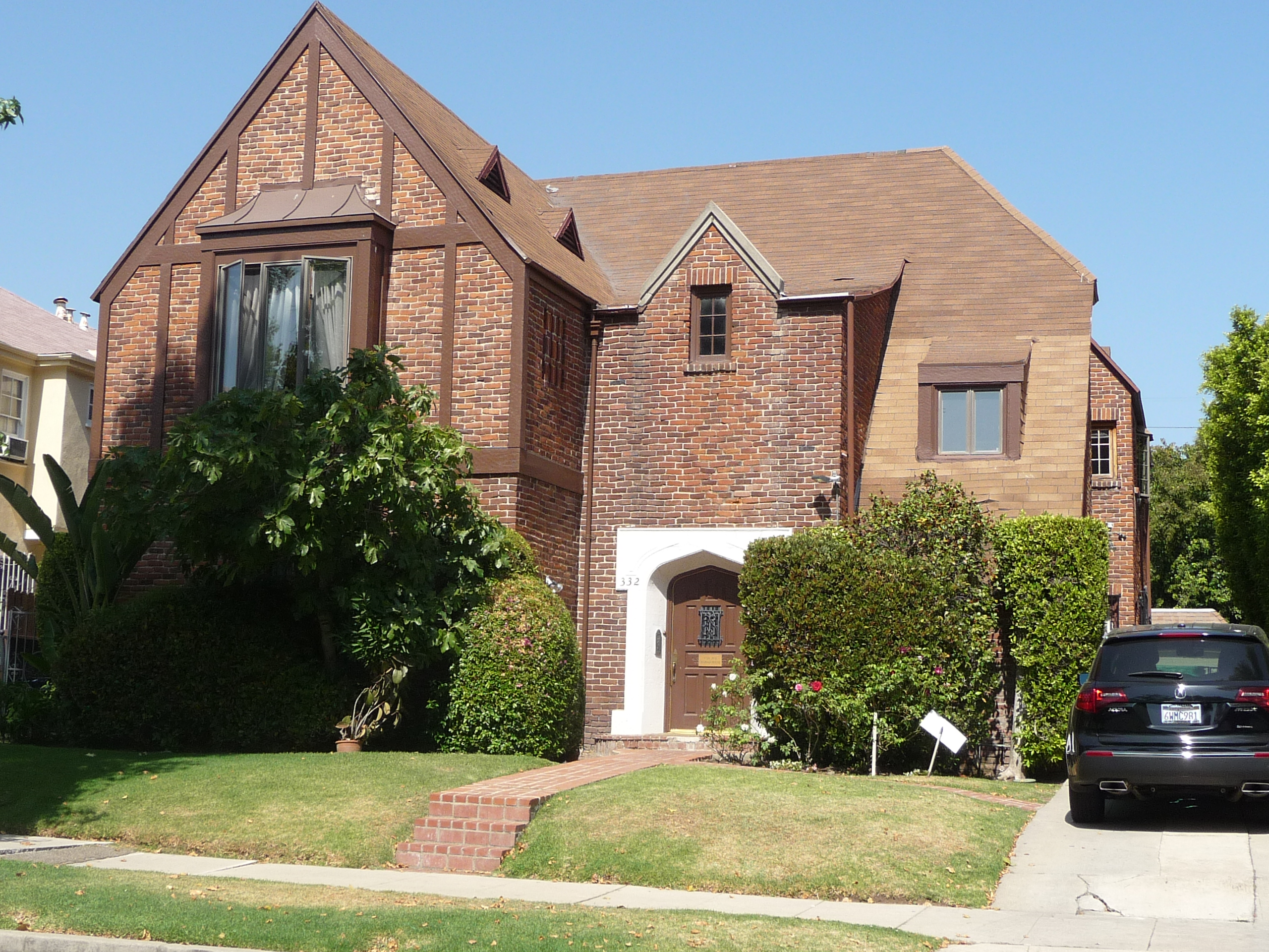 334 N MANSFIELD AVE - PHOTO
