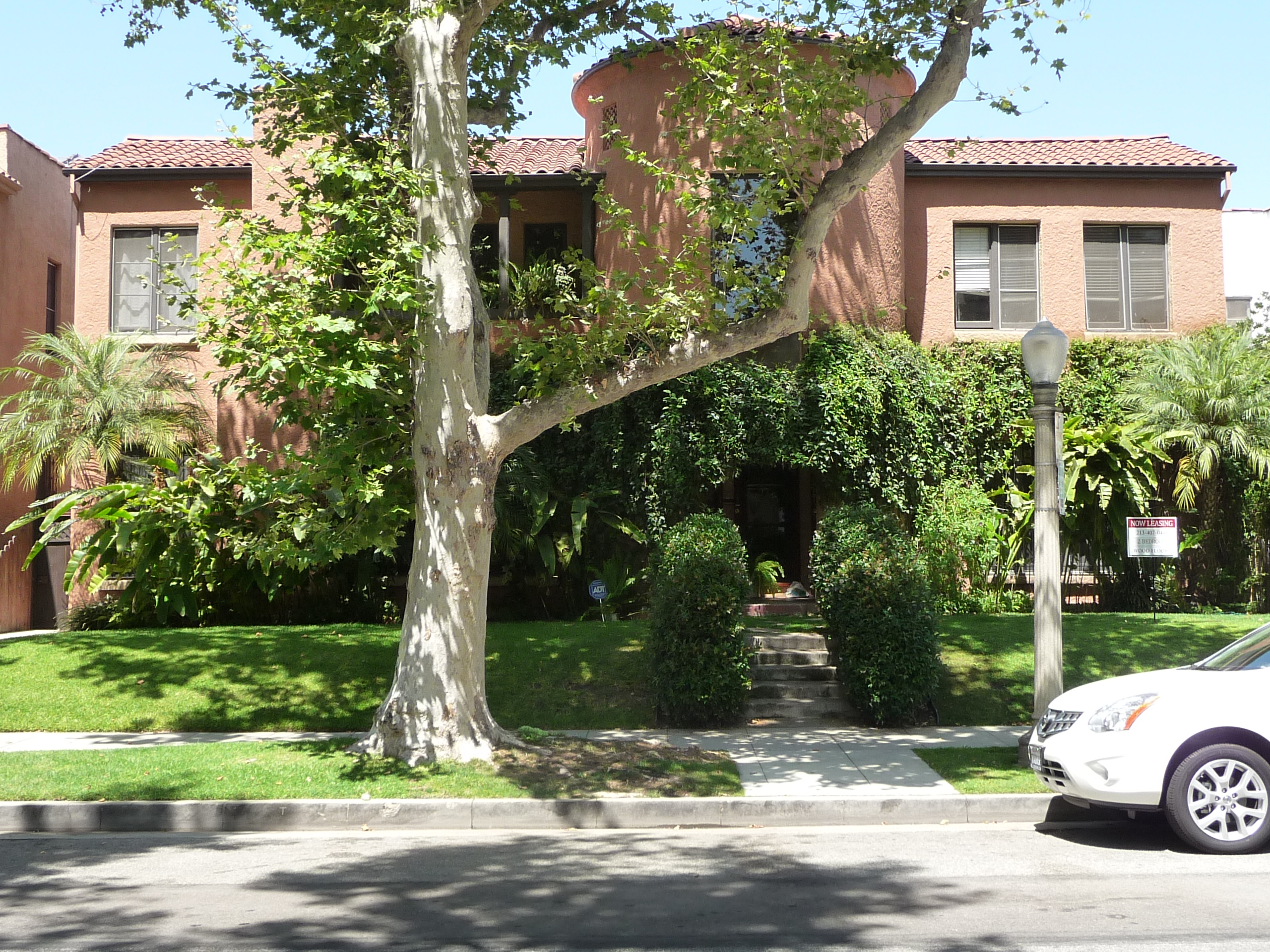 131 N SYCAMORE AVE - PHOTO