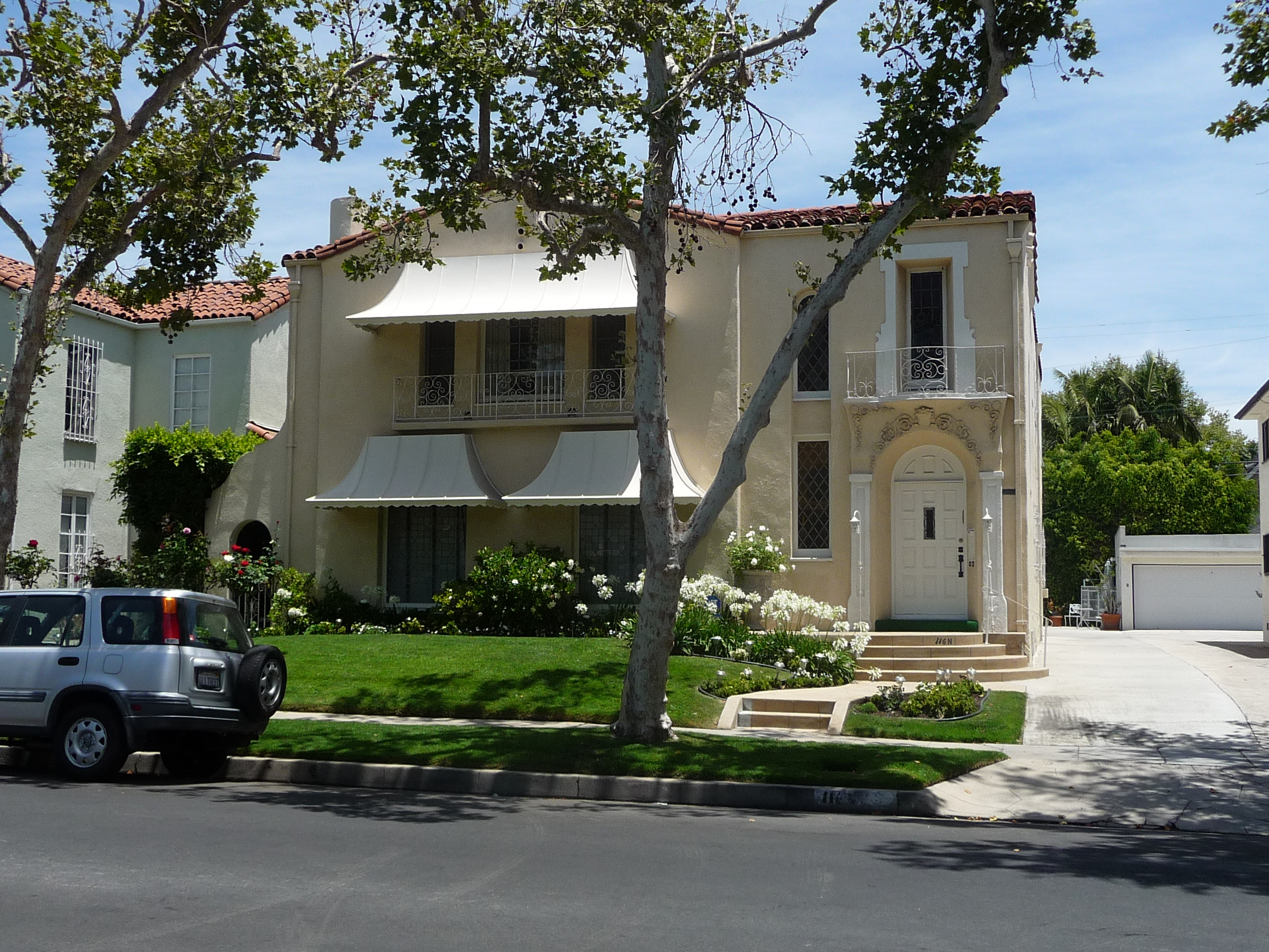 116 N MANSFIELD AVE - PHOTO