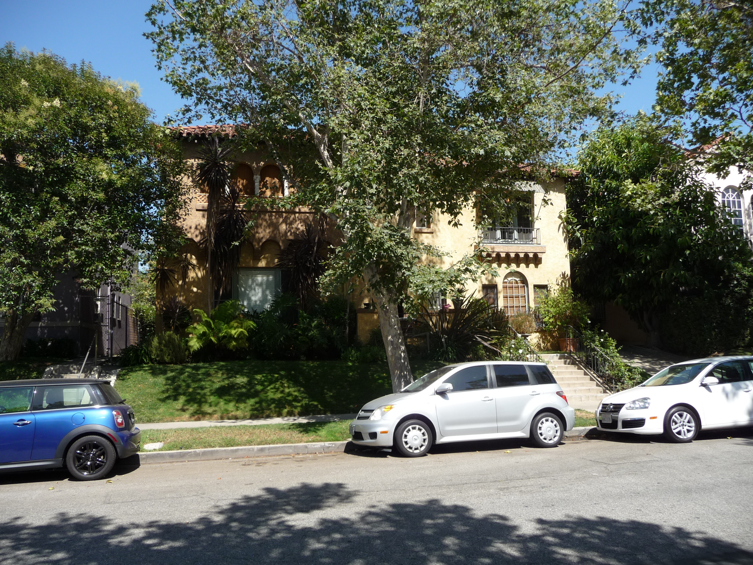 178 N SYCAMORE AVE - PHOTO