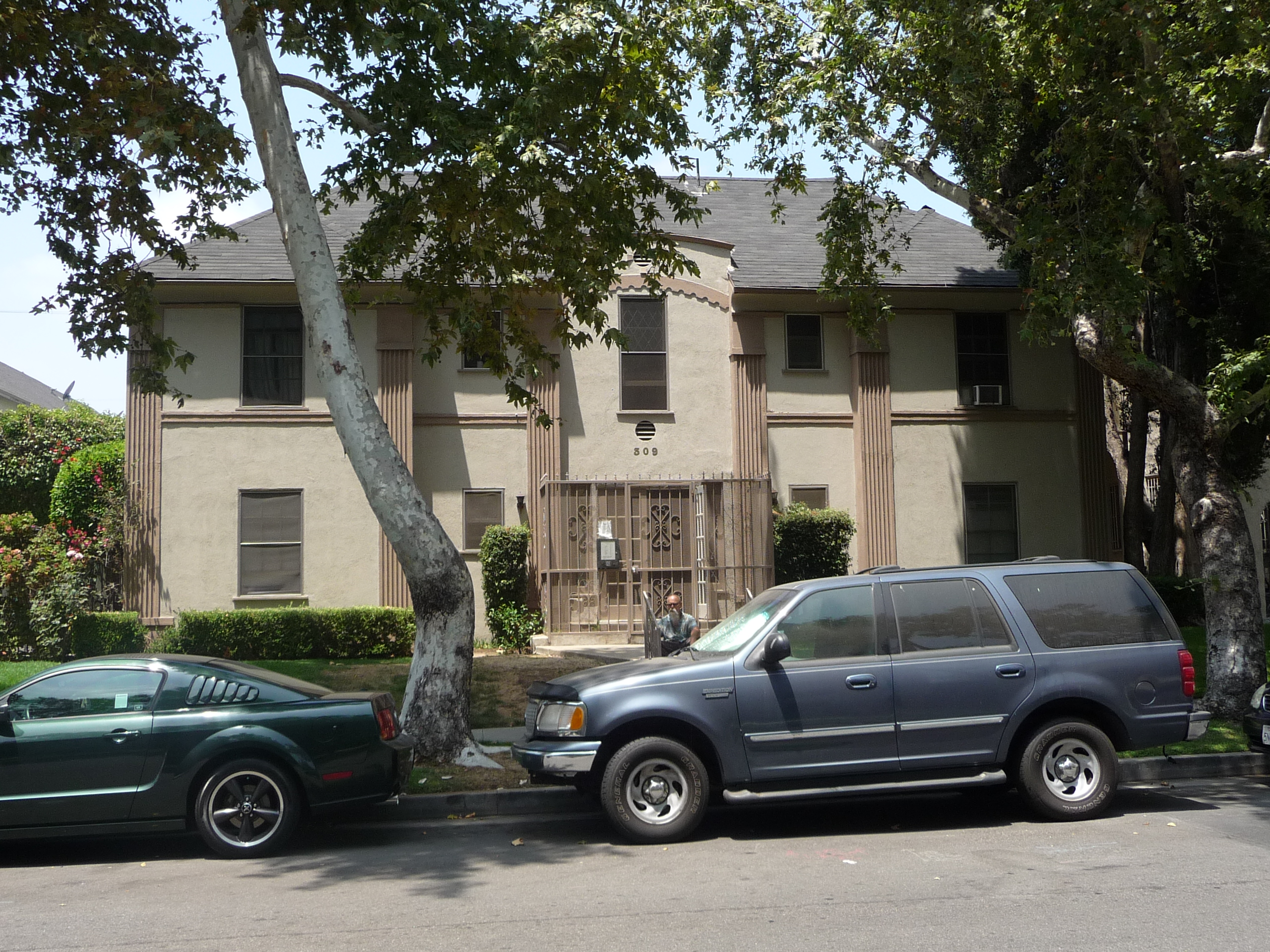 309 N SYCAMORE AVE - PHOTO